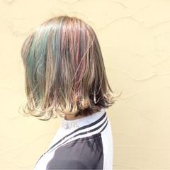 個性的 アッシュベージュ ボブ ストリート ヘアスタイルや髪型の写真・画像