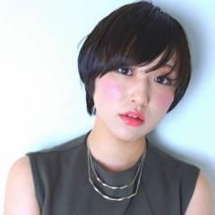 ナチュラル ショートボブ 暗髪 ショート ヘアスタイルや髪型の写真・画像