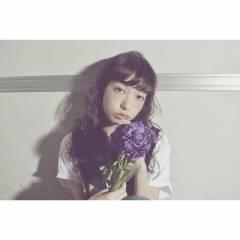 外国人風 黒髪 ゆるふわ ロング ヘアスタイルや髪型の写真・画像