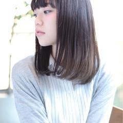 ナチュラル かわいい 黒髪 ストレート ヘアスタイルや髪型の写真・画像