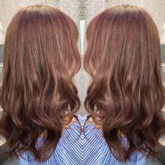 ピンクブラウン 外国人風 ピンク セミロング ヘアスタイルや髪型の写真・画像