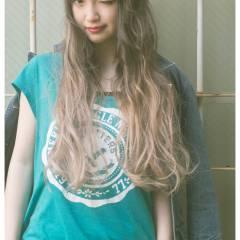 丸顔 ストリート ロング パンク ヘアスタイルや髪型の写真・画像