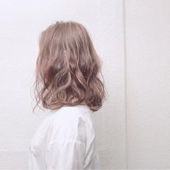 ゆるふわ 大人かわいい ミディアム アッシュ ヘアスタイルや髪型の写真・画像
