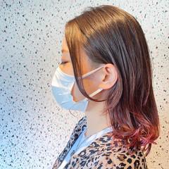 ピンクバイオレット ミディアム ブリーチ必須 ウルフカット ヘアスタイルや髪型の写真・画像