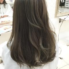 ロング グラデーションカラー ハイライト アッシュ ヘアスタイルや髪型の写真・画像