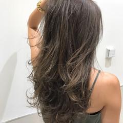 レイヤーカット ナチュラル グラデーションカラー ブラウンベージュ ヘアスタイルや髪型の写真・画像