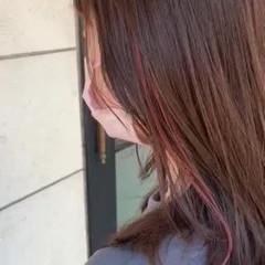 ブリーチオンカラー イヤリングカラー サーモンピンク ガーリー ヘアスタイルや髪型の写真・画像