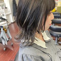 ウルフカット メッシュ ミディアム ニュアンスウルフ ヘアスタイルや髪型の写真・画像