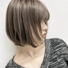 ブリーチカラー バレイヤージュ ショート エアータッチ ヘアスタイルや髪型の写真・画像