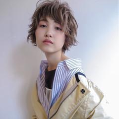 マッシュ ショート ハイライト ストリート ヘアスタイルや髪型の写真・画像
