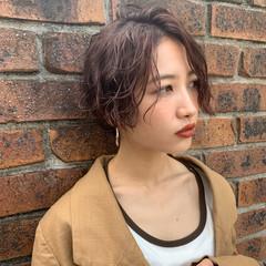 耳掛けショート デート ショートヘア 髪質改善カラー ヘアスタイルや髪型の写真・画像