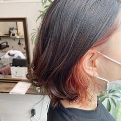 オレンジ インナーカラー オレンジカラー イヤリングカラー ヘアスタイルや髪型の写真・画像