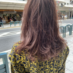 ピンク ベリーピンク フェミニン セミロング ヘアスタイルや髪型の写真・画像