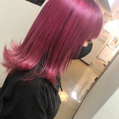 ミディアム ハイトーンカラー 髪質改善トリートメント 派手髪 ヘアスタイルや髪型の写真・画像