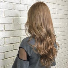 ベージュ ミルクティーベージュ イルミナカラー ロング ヘアスタイルや髪型の写真・画像