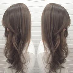 渋谷系 ロング アッシュグレージュ グレージュ ヘアスタイルや髪型の写真・画像