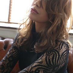 エレガント ロング アッシュ 大人女子 ヘアスタイルや髪型の写真・画像