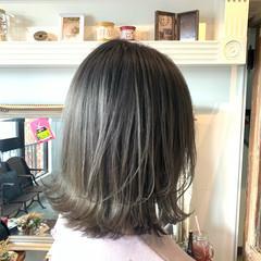 グレージュ 切りっぱなしボブ ミニボブ セミロング ヘアスタイルや髪型の写真・画像