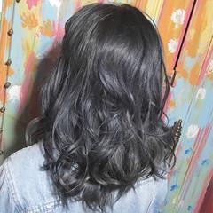 透明感 ブリーチ ストリート ネイビー ヘアスタイルや髪型の写真・画像