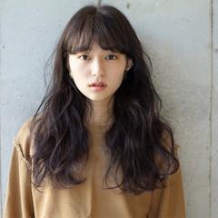 小顔 大人女子 ナチュラル くせ毛風 ヘアスタイルや髪型の写真・画像