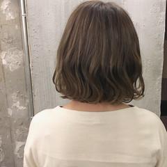 ボブ 外ハネ ヘアアレンジ ナチュラル ヘアスタイルや髪型の写真・画像