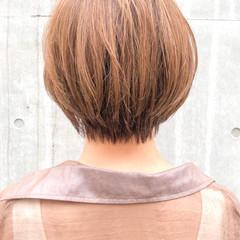 ショートボブ ベージュカラー ナチュラル ベリーショート ヘアスタイルや髪型の写真・画像