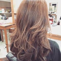 セミロング ナチュラル グラデーションカラー ラベンダーアッシュ ヘアスタイルや髪型の写真・画像