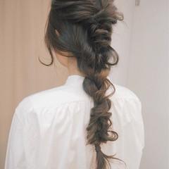 簡単ヘアアレンジ くるりんぱ ロング 編み込み ヘアスタイルや髪型の写真・画像