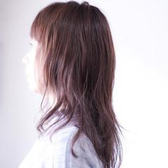 セミロング ラベンダーピンク ナチュラル ベリーピンク ヘアスタイルや髪型の写真・画像