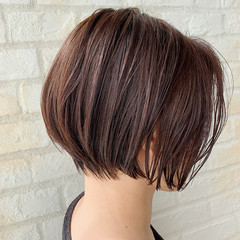 オフィス デート ショートヘア ナチュラル ヘアスタイルや髪型の写真・画像
