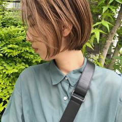 ナチュラル ショートヘア 切りっぱなしボブ ボブ ヘアスタイルや髪型の写真・画像