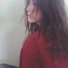 冬 ウェーブ パーマ デート ヘアスタイルや髪型の写真・画像