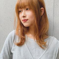 オリーブベージュ 鎖骨ミディアム ミディアム 透明感カラー ヘアスタイルや髪型の写真・画像