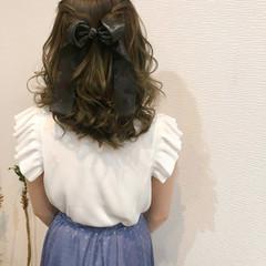 フェミニン ヘアセット ねじり ヘアアレンジ ヘアスタイルや髪型の写真・画像