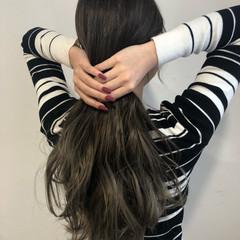 外国人風カラー ネイビーアッシュ イルミナカラー ロング ヘアスタイルや髪型の写真・画像