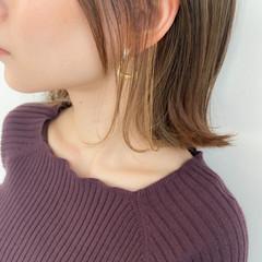 インナーカラー ミディアム アンニュイほつれヘア 外ハネ ヘアスタイルや髪型の写真・画像