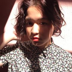 ボブ アンニュイ リラックス ウェーブ ヘアスタイルや髪型の写真・画像