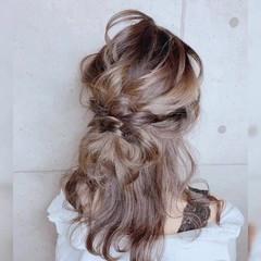 アンニュイほつれヘア フェミニン 簡単ヘアアレンジ インナーカラー ヘアスタイルや髪型の写真・画像