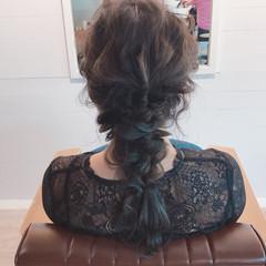 セミロング ウェーブ デート アンニュイ ヘアスタイルや髪型の写真・画像