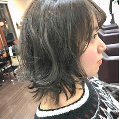 ガーリー 小顔 ミディアム グレージュ ヘアスタイルや髪型の写真・画像