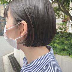 アッシュグレージュ ショートヘア ショートボブ 切りっぱなしボブ ヘアスタイルや髪型の写真・画像
