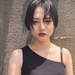 小顔ショート 黒髪 ウェット感 ハンサムショート ヘアスタイルや髪型の写真・画像