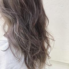 ストリート 透明感 ミルクティーベージュ ハイライト ヘアスタイルや髪型の写真・画像