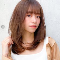 ミディアム ミディアムレイヤー 小顔 コンサバ ヘアスタイルや髪型の写真・画像
