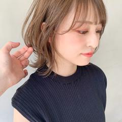 ミディアムレイヤー アンニュイほつれヘア ミディアム 前髪あり ヘアスタイルや髪型の写真・画像
