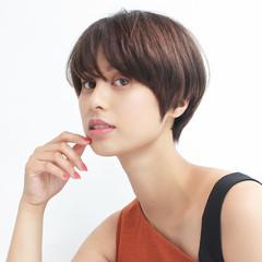 デート アウトドア ヘアアレンジ ショート ヘアスタイルや髪型の写真・画像