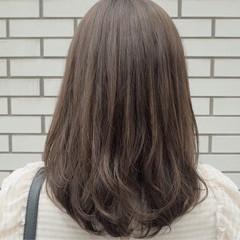ナチュラル 大人かわいい ミディアム イルミナカラー ヘアスタイルや髪型の写真・画像