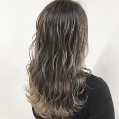 エレガント セミロング デート アウトドア ヘアスタイルや髪型の写真・画像