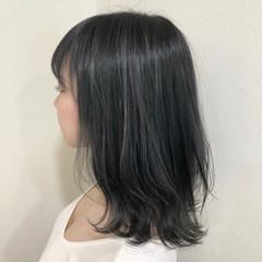 ダークグレー グレー 大人可愛い アッシュグレー ヘアスタイルや髪型の写真・画像