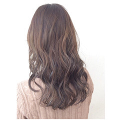グラデーションカラー ゆるふわ セミロング ナチュラル ヘアスタイルや髪型の写真・画像